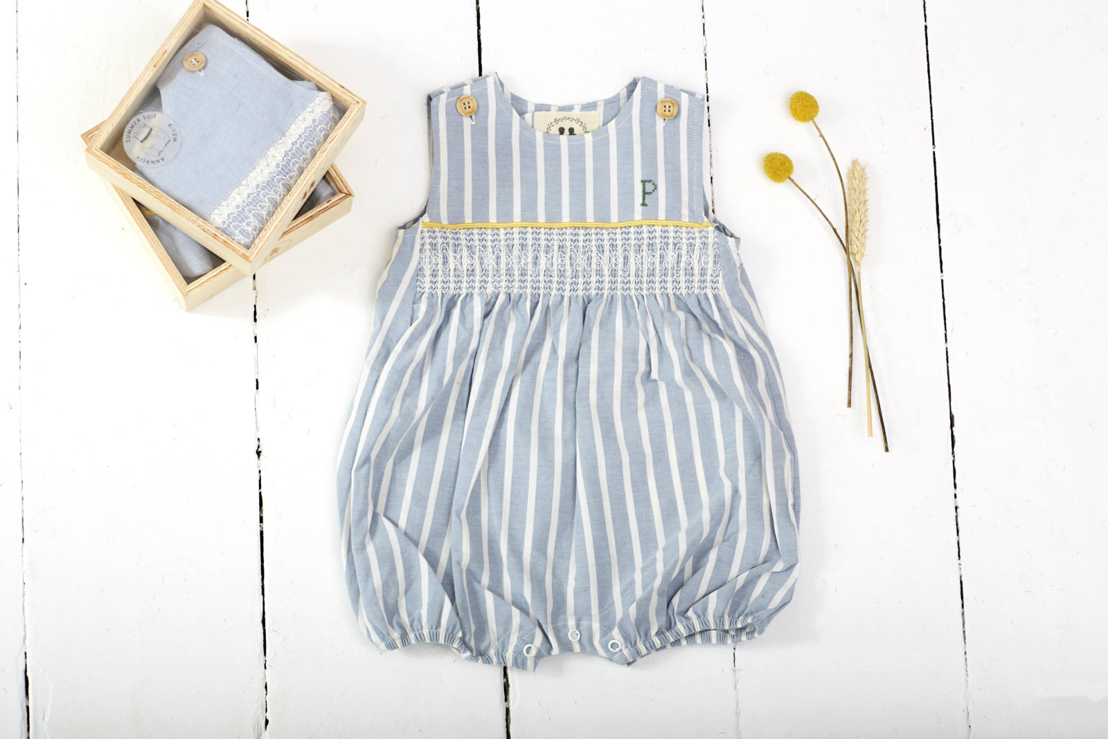 Annaliv_Summer_Suit_Stripe